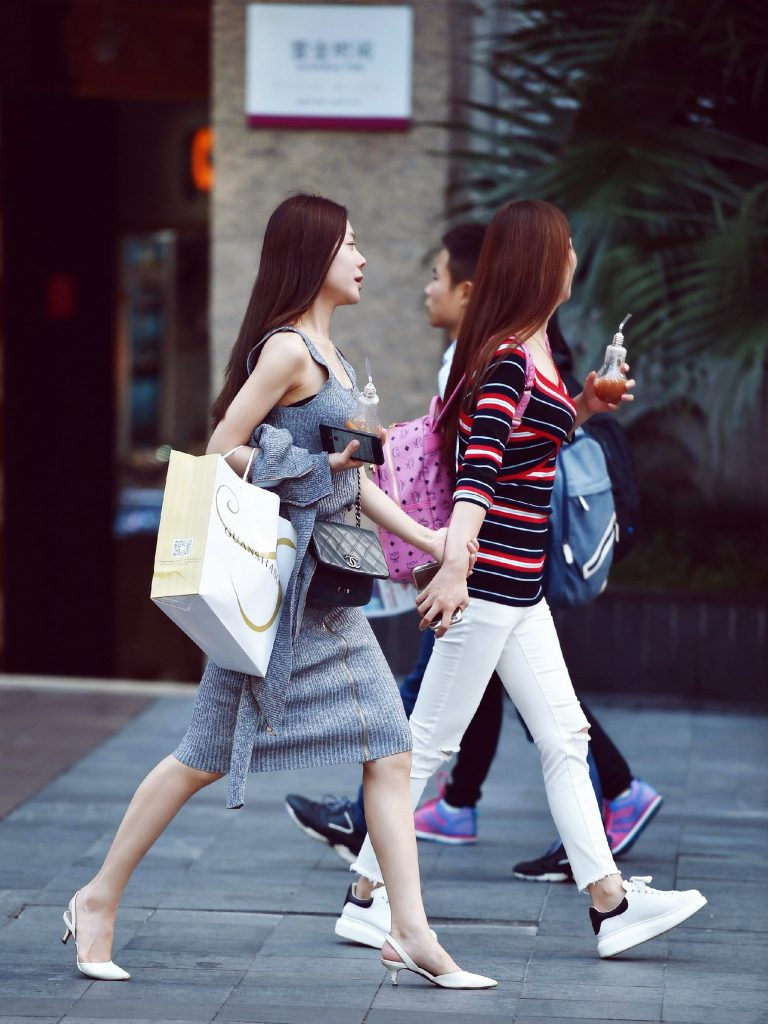 China middle class shoppers